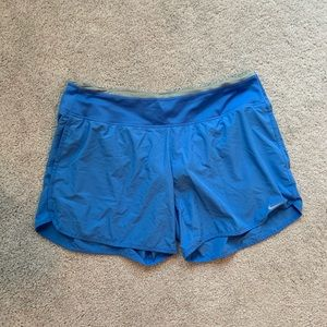 Nike Dri Fit shorts with pockets large